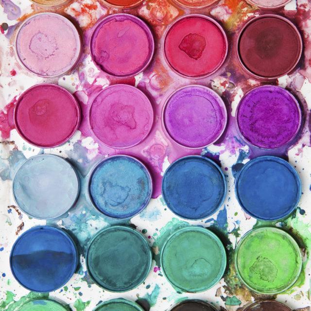Vi hjälper dig att färgsätta rätt hemma och på jobbet