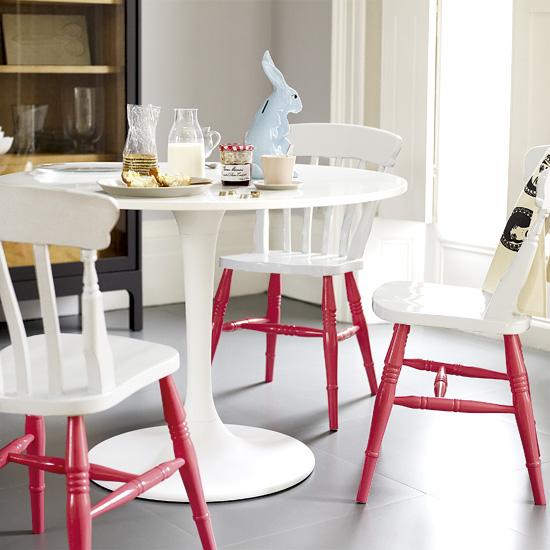 Ommålade möbler i köket lyfter inredningen
